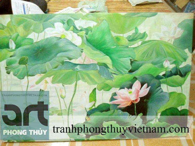 tranh phong thủy hoa sen đẹp treo phòng khách