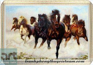 tranh ngựa đẹp treo phòng khách