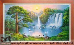 tranh sơn thủy vẽ thác nước và chim hạc