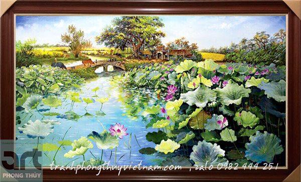 tranh phong cảnh đầm hoa sen treo phòng khách