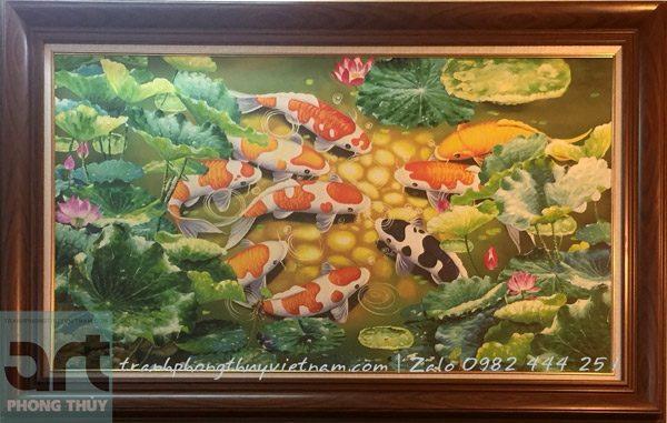 tranh vẽ 9 chú cá chép bơi lội trong đầm sen