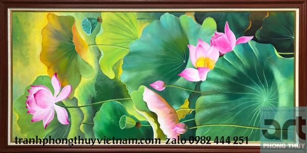 tranh hoa sen treo phòng thờ gia đình
