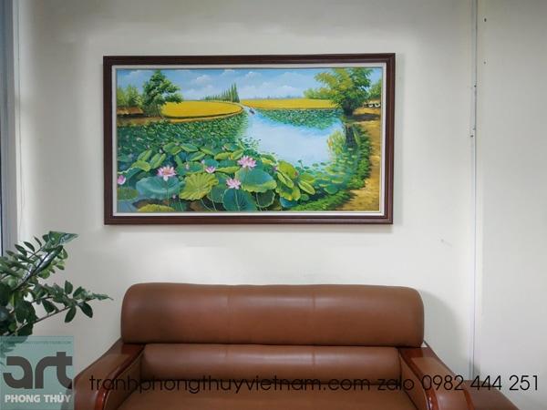 tranh phong cảnh hoa sen treo phòng làm việc