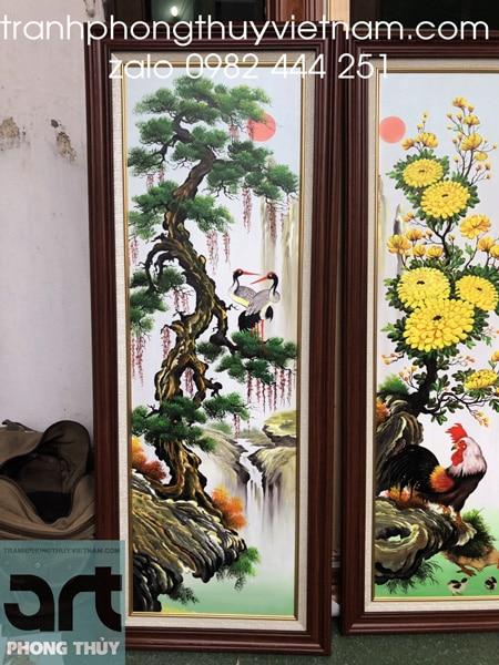 cây tùng và hoa cúc trong tranh tứ quý