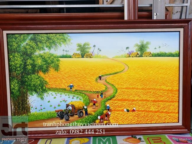 Tranh đồng quê vẽ cánh đồng lúa chín vàng được vẽ tại xưởng tranh