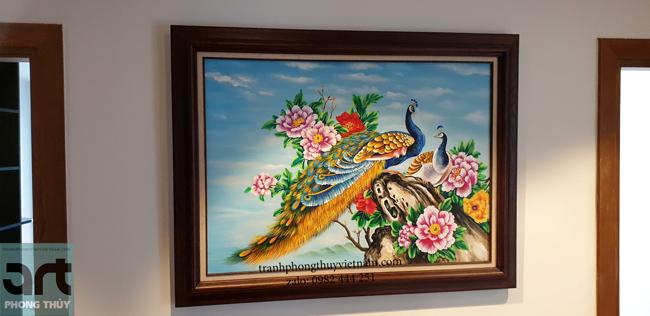 tranh phong thủy chim công hoa mẫu đơn treo trang trí