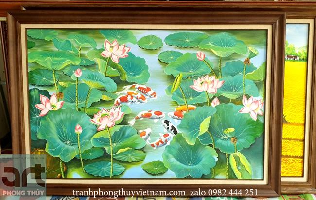 tranh phong thủy cửu ngư hoa sen hoàn thiện tại xưởng vẽ